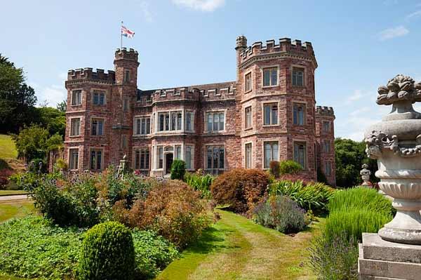Gazon et château anglais