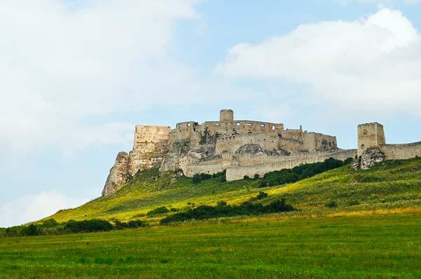 Paysage naturel autour d'un forteresse